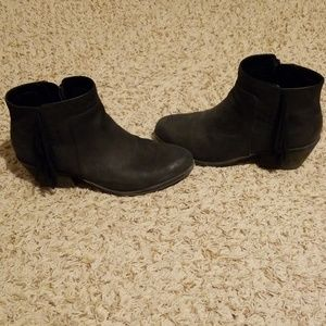 Lightly worn great condition Clark's booties